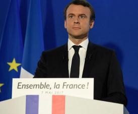 Macron fier